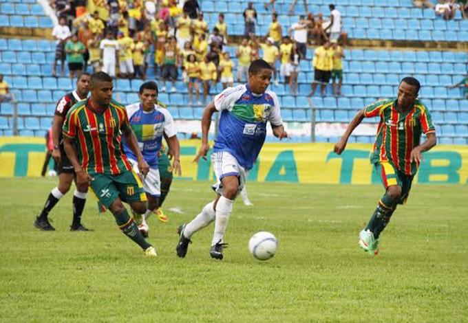 Jogadores do Sampaio admitem que partida realizada foi ruim (Foto: Douglas Júnior / O Estado)