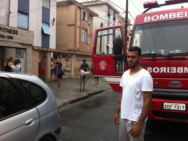 Incêndio aconteceu nesta terça-feira (Foto: Renan Fiuza/G1)