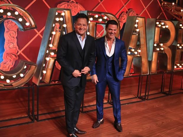 Leonardo e Eduardo Costa em gravação de DVD em São Paulo (Foto: Veri Lopes e Fred Pontes/ Divulgação)