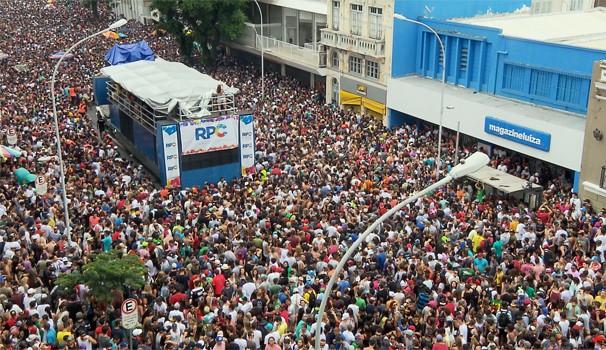 Para todos os gostos: Carnaval Eletrônico agitou 40 mil pessoas na Marechal Deodoro (Foto: Reprodução/ RPC)