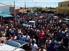 Mais de 2 mil se despedem de gerente morto em assalto a Correios no RN