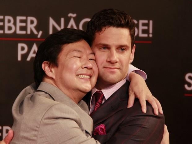 Ken Jeong e Justin Bartha (Foto: Isac Luz/ EGO)