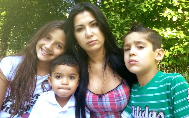 Renata esposa Breno Alemanha família (Foto: Clícia Rodrigues / Globoesporte.com)