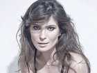Ex-BBB Kamilla posa sensual em campanha