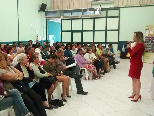 Advogada criou uma ONG e dá palestras para auxiliar pessoas com câncer (Foto: Arquivo Pessoal)