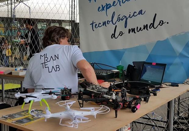 Corrida de drones é uma das atrações da Feira Internacional de Negócios, Inovação e Tecnologia (Finit) (Foto: Wellton Máximo/Agência Brasil)