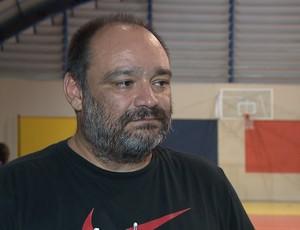 Adriano Lucena, técnico de basquete paraibano (Foto: Reprodução / TV Cabo Branco)