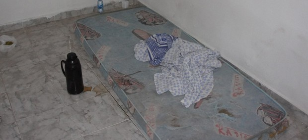 Angélica foi levada para uma casa localizada a cerca de 1 km de onde ela foi abordada (Foto: Silas Batista / Globoesporte.com/pb)
