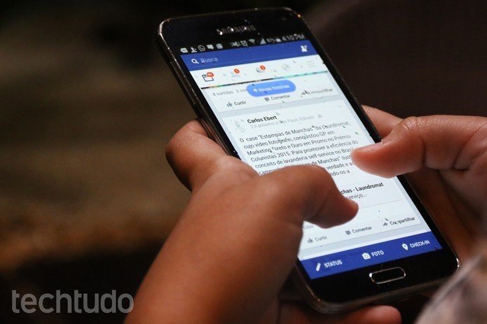 Veja como encontrar vídeos já assistidos no aplicativo do Facebook (Foto: Luciana Maline/TechTudo)