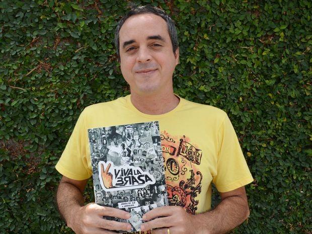 'Viva La Brasa' reúne 20 anos de produção do jornalista Adolfo Sá (Foto: Marina Fontenele/G1)