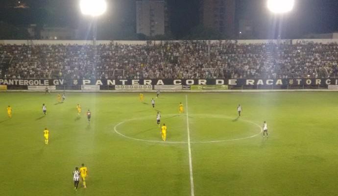 Democrata marcou quatro gols contra o Minas Boca em casa (Foto: Zana Ferreira)
