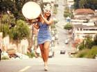 Raíssa Oliveira, rainha de bateria da Beija-Flor, declara seu amor pela escola em fotos