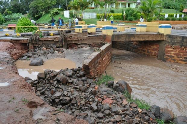 Chuva provocou estragos em Tejupá (SP). (Foto: Divulgação)