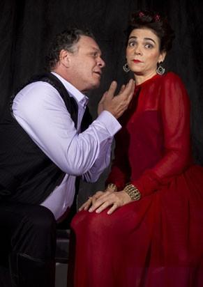 Ernani Moraes e Solage Badim em 'As Bodas de Fígaro' (Foto: Paula Kossatz)
