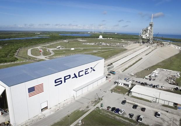 Base de lançamento da SpaceX no Centro Espacial Kennedy na Flórida: adaptações para acomodar o Falcon 9  (Foto: SpaceX)