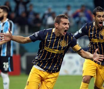 Marco Rubén; Grêmio x Rosario Central; Libertadores (Foto: AP)