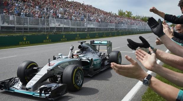 Lewis Hamilton, bicampeão mundial: carro ajustado, talento e esforço (Foto: Divulgação)