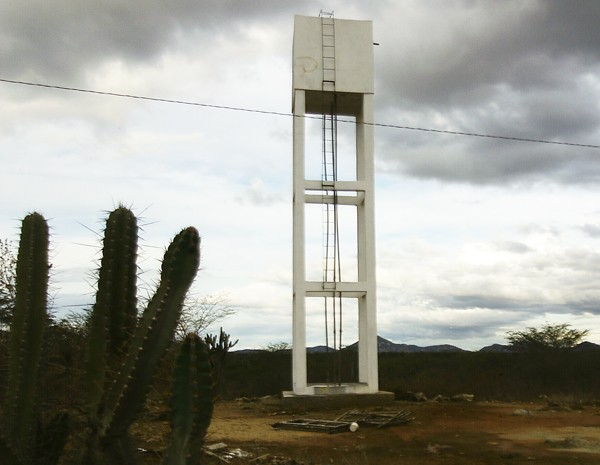 Moradores de Passagem Rasa começaram a receber água encanada (Foto: Divulgação/Cássio Aleixo)