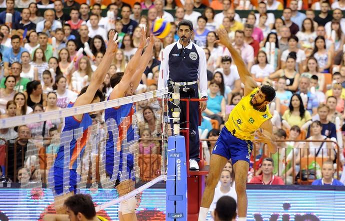 Sérvia x Brasil Liga Mundial de vôlei 2015 - Wallace (Foto: FIVB)