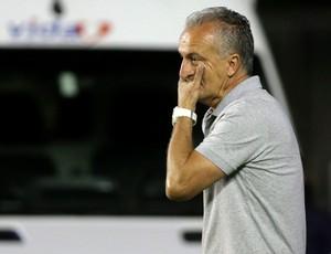 Dorival Junior jogo Vasco x Vitória (Foto: Marcelo Theobald / Ag. O Globo)