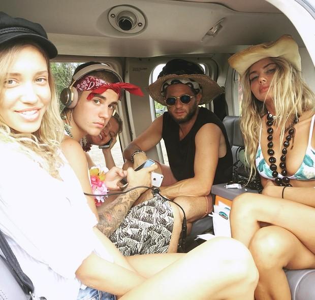 Sahara Ray, Justin Bieber e amigos (Foto: Reprodução / Instagram)