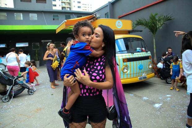 Luciele Di Camargo e Davi (Foto: Marcos Ribas/EGO)