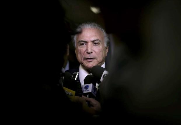 O presidente Michel Temer conversa com imprensa (Foto: Ueslei Marcelino/Reuters)