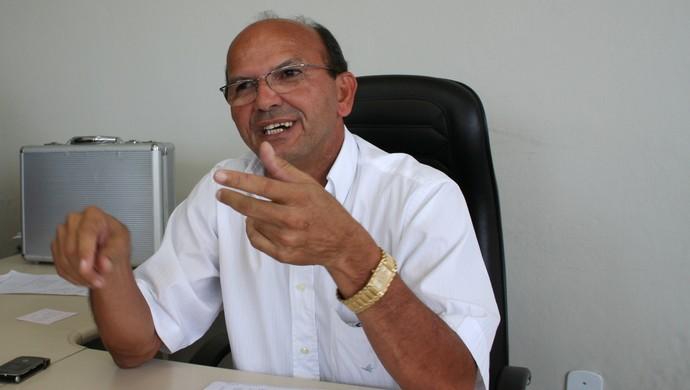 Cícero Cavalcante, dirigente do CSA (Foto: Carlos Rosa / Gazeta de Alagoas)