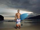 Peter Brandão surfa e fala sobre a pressão de atuar em 'Babilônia'