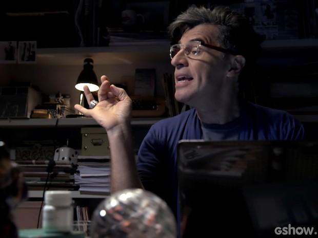Mas o jornalista Téo Pereira (Paulo Betti) vai fazer de tudo para desmascará-lo (Foto: Império/TV Globo)