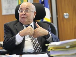 O desembargador Fernando da Costa Tourinho Neto, em sessão do CNJ (Foto: Gil Ferreira/Agência CNJ)