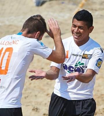 Maranhense Datinha comemora título na Europa com camisa de time russo (Foto: Divulgação)