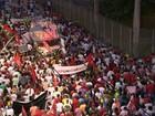 Grupos fazem caminhadas a favor do governo da presidente Dilma na Bahia