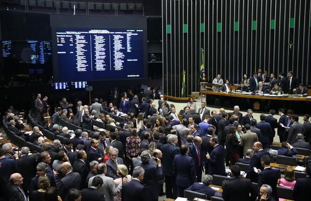 Deputados e senadores participam de sesssão do Congresso Nacional para votar vetos (Foto: Ananda Borges/Câmara dos Deputados)