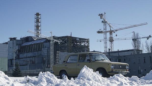 Milhares de pessoas trabalam no isolamento do reator quatro (Foto: Guilber Hidaka/Bufalos)