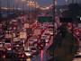 SP - 19h30: Capital tem 207 km de filas; trânsito continua ruim