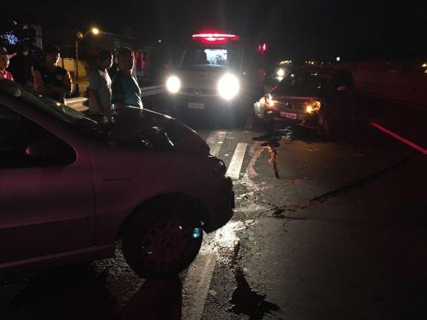 Carros bateram de frente em rodovia de Jaú (Foto: Divulgação)