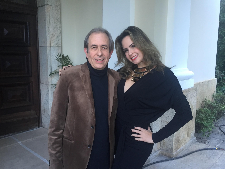 Ana Paula e o Casseta Reinaldo, na gravao de 'Procurando Casseta & Planeta' (Foto: Divulgao)