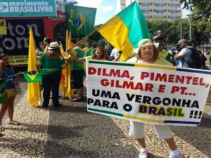 Manifestação Uberlândia 10h (Foto: Carolina Aleixo/G1)