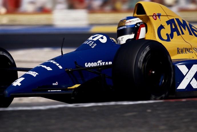 A combinação de cores de Jean Alesi também fez sucesso na Fórmula 1 (Foto: Getty Images)