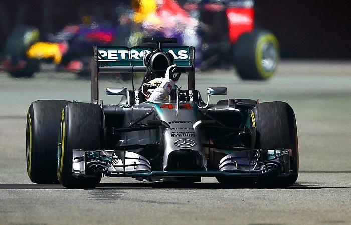 Lewis Hamilton vence o GP de Cingapura de 2014