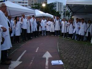 Médicos em manifestação em Salvador, na Bahia (Foto: Sindimed/Divulgação)
