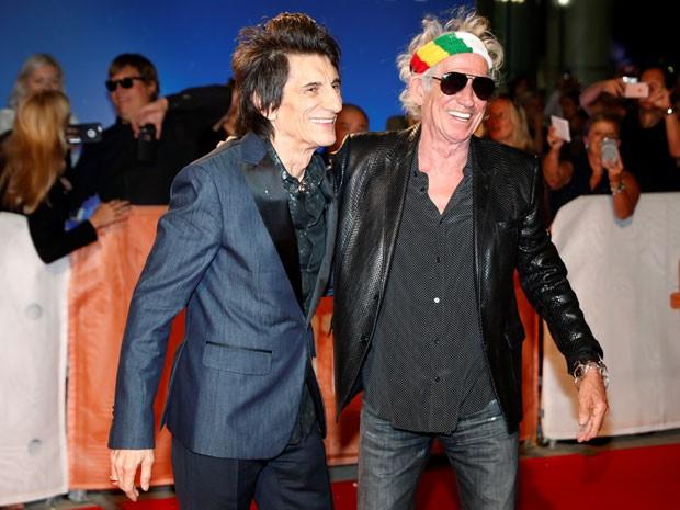 Ronnie Wood (à esquerda) e Keith Richards apresentam o documentário 'The Rolling Stones Ole Ole Ole! : A trip across Latin America' no Festival de Toronto, nesta sexta-feira (16) (Foto: Mark Blinch/Reuters)
