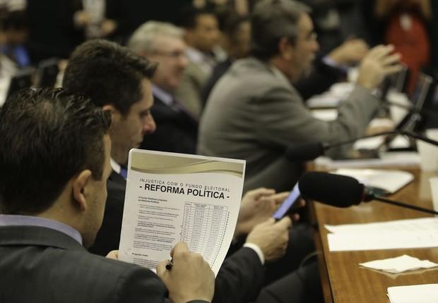 Comissão aprova reforma política na Câmara (Foto: Fabio Rodrigues Pozzebom/Agência Brasil)