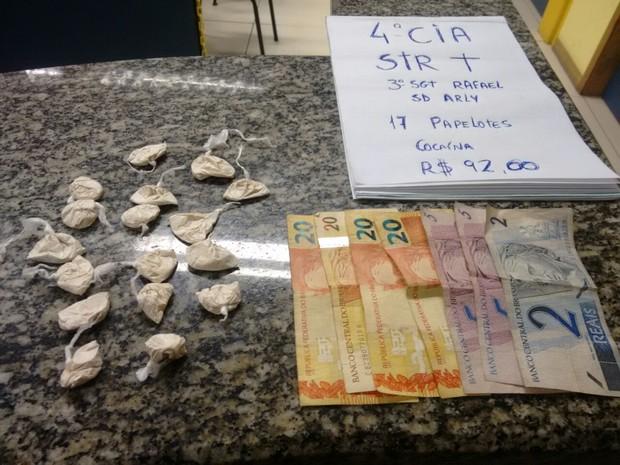 Droga apreendida em Casimiro de Abreu (Foto: PM/Divulgação)