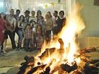 Caruaru, PE, mantém viva a chama da 'Noite das Fogueiras Ardentes'