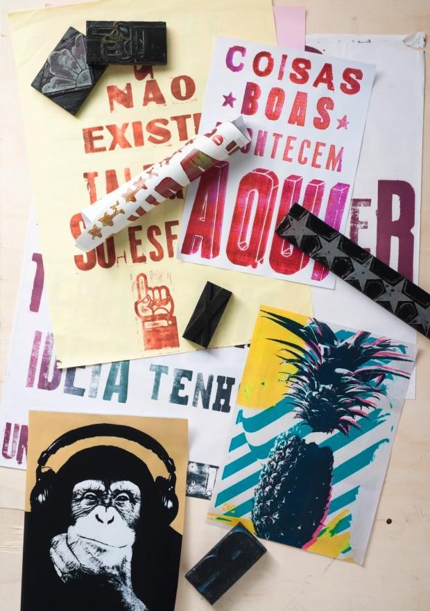 Cartazes de lambe-lambe artístico (Foto: Iara Venanzi / Editora Globo)