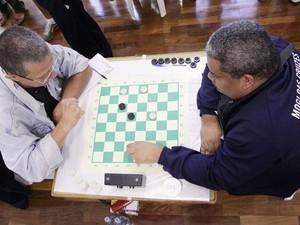 Mogi das Cruzes tem torneio de jogos de mesa para terceira idade (Foto: Guilherme Berti/PMMC)