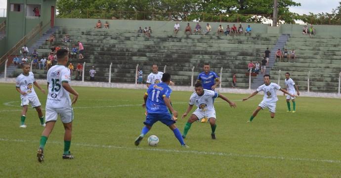 Lance do jogo entre Palmas e Guaraí, pela Segunda Divisão (Foto: Guaraí Notícias/Duivulgação)