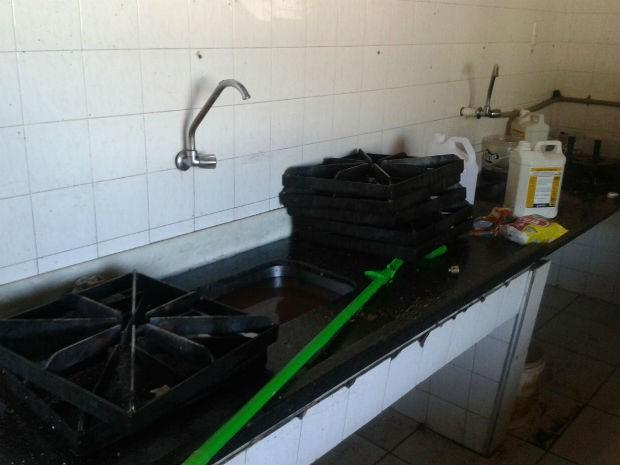 Cozinha ficou danificada com a explosão (Foto: Thalles Bruno/ EPTV)